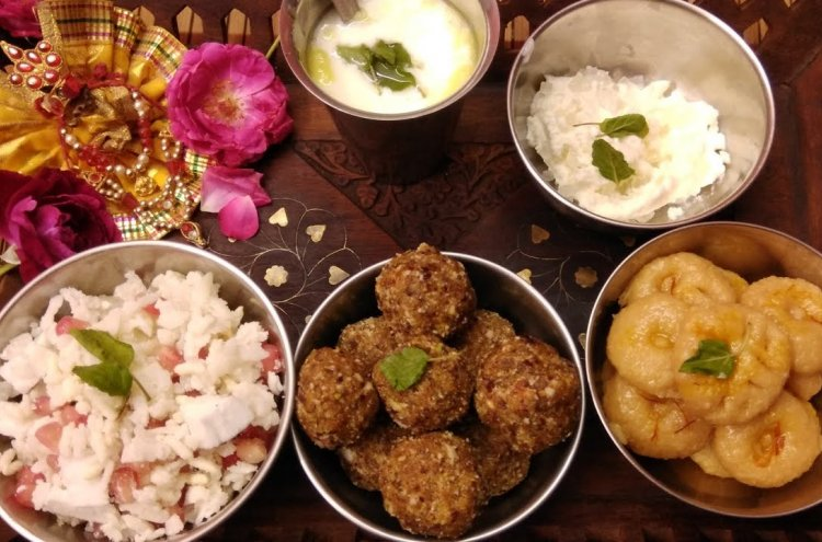 Delectable Sweet Treats & Mouth-Watering Delicacies Offered As Prasad During the Celebrations of Birthday of Lord Krishna: Best Janmashtami Prasad Recipes to Make at Home (2020)