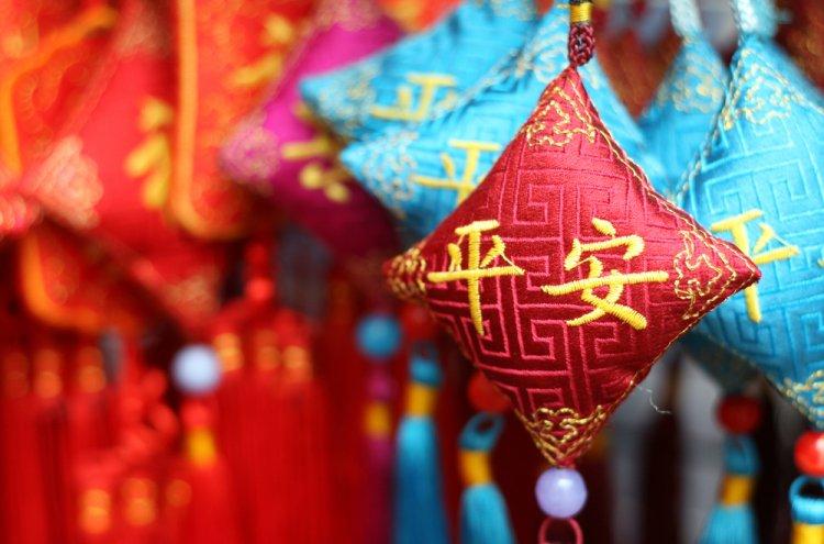 10 Rekomendasi Suvenir Ini Harus Anda Beli Saat Berkunjung ke China
