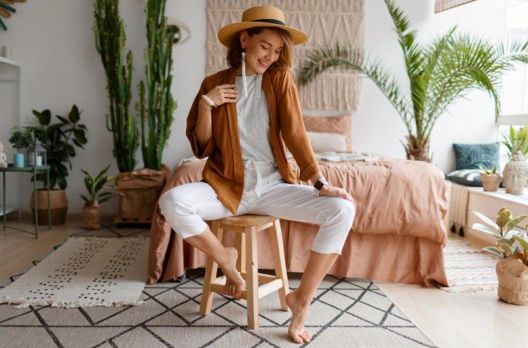 10 Rekomendasi Baju Wanita Terkini yang Jadikan Anda Selalu Trendi (2020)