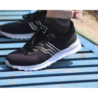 Sepatu Sneakers Pria Piero Vamos