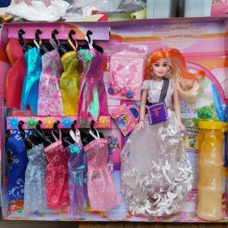 29. Baju Boneka Barbie untuk Melengkapi Koleksi Anak