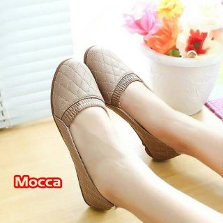 Adelia Flatshoes Sepatu Wanita Motif Kulit Ular
