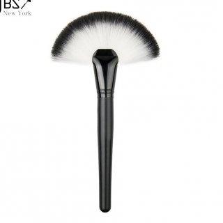 JBS New York Kuas Fan Make Up Brush Blush On Foundation Wajah Bentuk Kipas K082