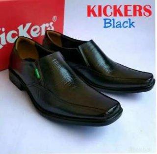 Sepatu Pantofel Pria Kickers