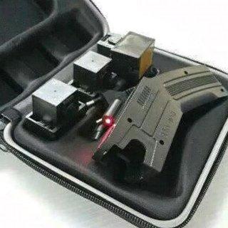 Taser Gun dengan Laser Bidik Merah