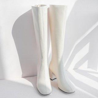 Sepatu Boots Selutut Wanita Putih