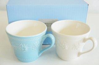 お茶と一緒にほっと一息ついて! 手に取りやすい上品なマグカップ