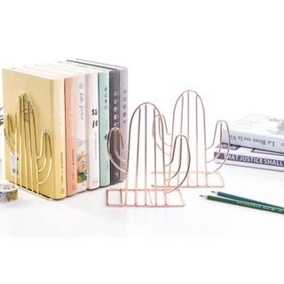 26. Bookstand untuk Menyimpan Koleksi Buku