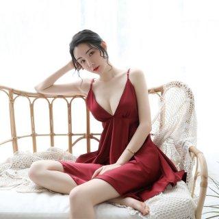Gaun Merah Seksi