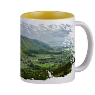 7. Mug Unik Mengingatkan Kampung Halaman