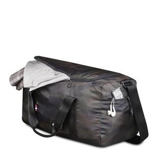 19. Travel Bag untuk Memuat Aneka Perlengkapan Traveling