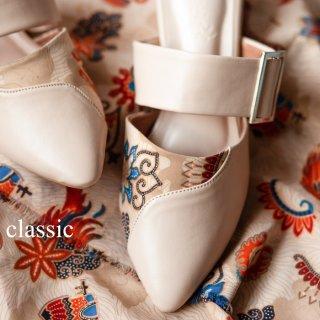 Manise Classic Mules Batik