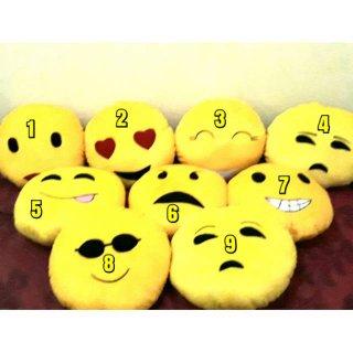 Bantal Karakter Smile
