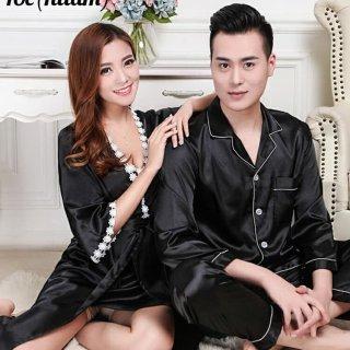 9. Baju Tidur Couple Layaknya Pengantin Baru