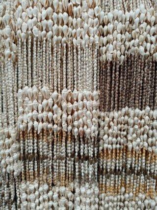 Tirai Kerang Putih