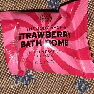 The Body Shop Strawberry Bath Bomb