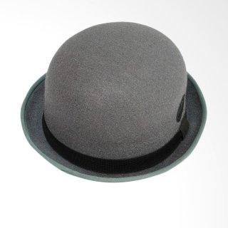 21. Topi untuk Dosen Nyentrik