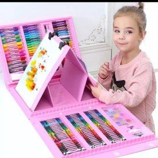 11. Crayon untuk Anak yang Hobi Menggambar