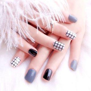 Rawat Kuku Cantiknya dengan Manicure