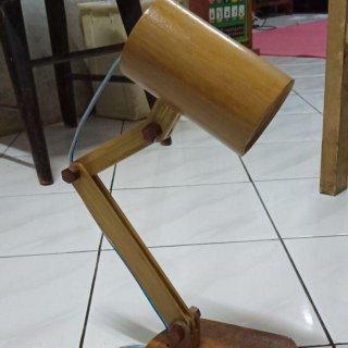 Lampu Belajar Bambu Kering