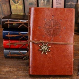26. Notebook dengan Desain Klasik