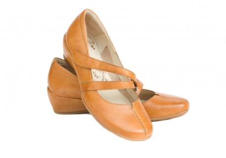 Sepatu Casual Wanita Wedges yang Sedang Populer di tahun ini