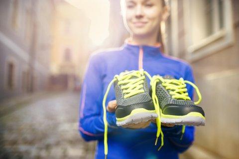 Berlari dengan Sepatu Joging yang Tepat dan Benar