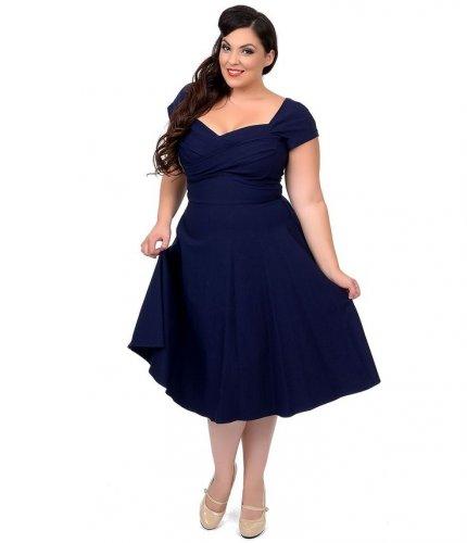 Yuk Lihat 10 Model Terbaik Gaun Cantik Untuk Kamu Yang Berbadan Gemuk