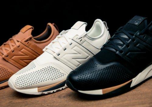 Sumber gambar sneakernews.com. Beragam produk sepatu yang diproduksi New  Balance ... e0493065f6