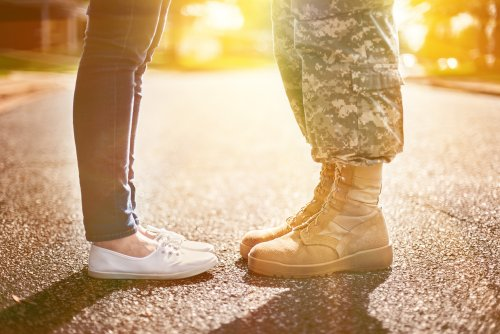 how to get a military boyfriend