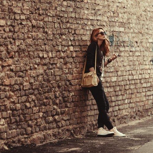 Tas elegan dan cantik memang menjadi dambaan setiap wanita. Selain yang  berkualitas 90c08c0139