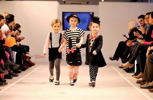 Anak Anak Bisa Tampil Fashionable Dengan 10 Rekomendasi Pakaian