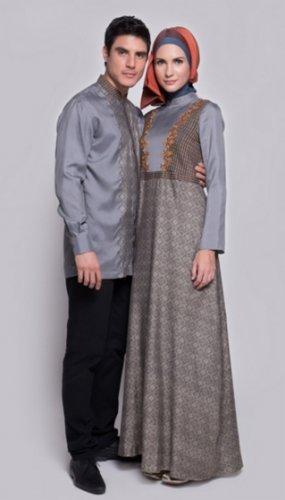 Tampil Serasi Bersama Pasangan Dengan Rekomendasi 7 Model Baju Gamis Couple Muslim