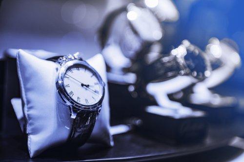 Inilah 10 Merk Jam Tangan Pria Branded Terbaik Untuk Anda! 8cf993ff70