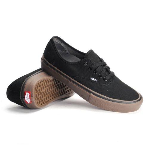 10+ Pilihan Sepatu Kets Pria Terbaru Untuk Pria Yang Senang Tampil ... 04b13f6e74