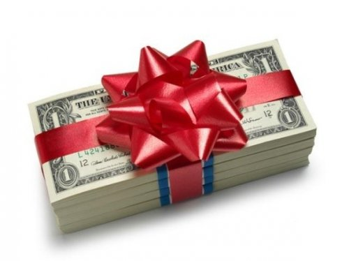0483220fc9fcb How to Gift Your Boyfriend the Best Presents Ever  Tips and 10 Best ...