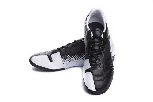 Merk Sepatu Futsal Murah yang Bisa Kamu Jadikan Panduan. Ingin membeli  sepatu futsal yang berkualitas ... 147ebdf279