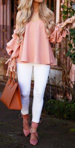 Pancarkan Kesan Feminin Lewat 10 Busana Warna Peach Ini Cantik Dan
