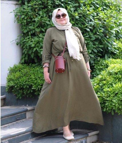 Model Baju Muslim Wanita Gemuk Tak Kalah Beragam Dibanding Baju Untuk Si  Langsing 9f38450bdb
