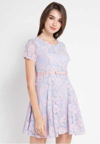 Cantik Dan Menawan Dengan 7 Gaun Brokat Yang Fashionable Dan Jenis