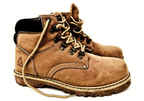 Anda Perlu Tahu 10 Jenis Sepatu Pria yang Bisa Disesuaikan dengan ... 8b0581c467