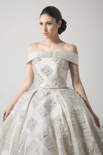 Ini 10 Gaun Mewah Termahal Milik Artis Top Dunia
