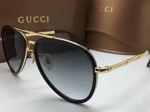 10 Kacamata Gucci Pria dan Wanita Terbaru untuk Tampilan Elegan dan ... 9bf289a761