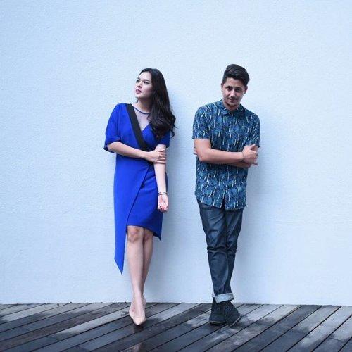 Tampil Serasi Bersama Pasangan Cobalah 10 Padu Padan Baju Couple