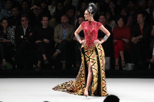 Fashion Indonesia Berkembang Pesat! 10 Brand Fashion Asli Indonesia ... 149ec9f98f