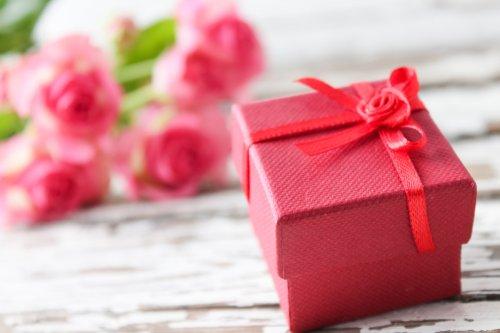 に なっ プレゼント の た お世話 へ 先輩 お世話になったあの人へささやかな贈り物。予算【3000円以下】のプレゼントを集めてみました
