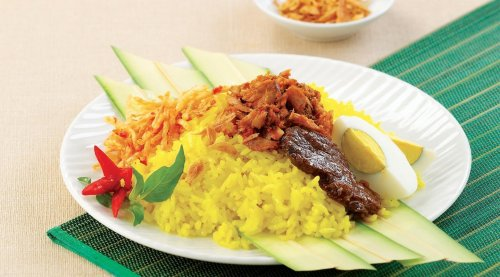 Cicipi Kelezatan 6 Rekomendasi Menu Nasi Kuning Khas Dari Berbagai