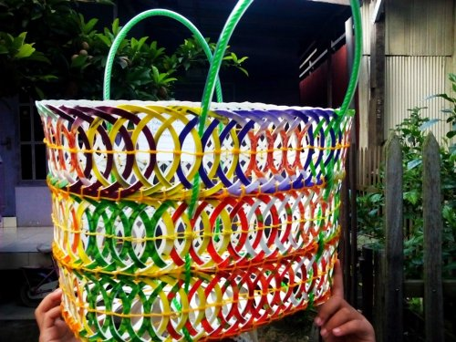 Bersihkan Lingkungan Dengan Mendaur Ulang Plastik Menjadi