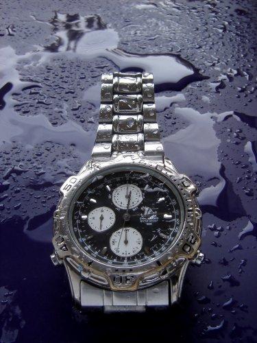 Jam Yang Satu Ini Lebih Baik Setingkat Dari Pada Yang 3 Atm Jam Dengan Tingkat Ketahanan Air 50m Masih Bisa Digunakan Saat Berenang Di Air Permukaan