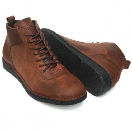 10 Pilihan Sepatu Bot Keren untuk Pria Sejati ffa9847364